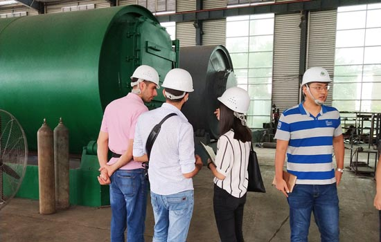 Beston salesperson communicated with Lebanon customers about pyrolysis machine
